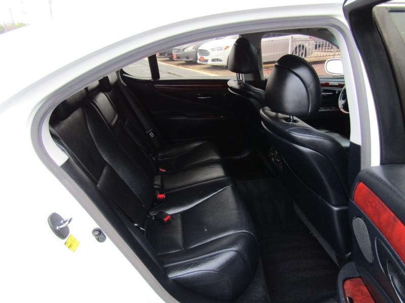 Lexus LS 460 2009 price $12,944