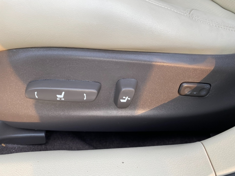 Lexus IS 250 2011 price $11,744