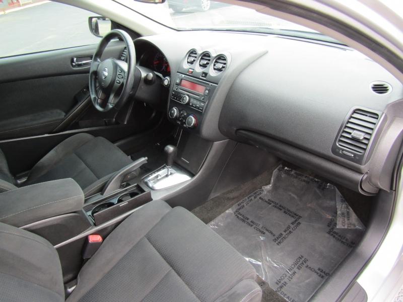 Nissan Altima 2012 price $7,944