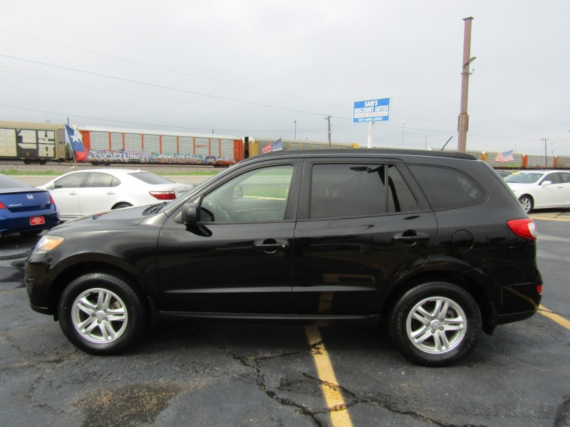 Hyundai Santa Fe 2012 price $7,944