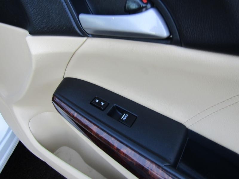 Honda Crosstour 2012 price $11,450
