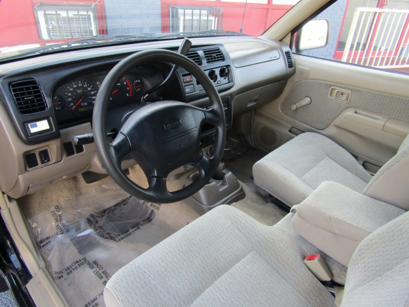 Nissan Frontier 2WD 2000 price $5,944