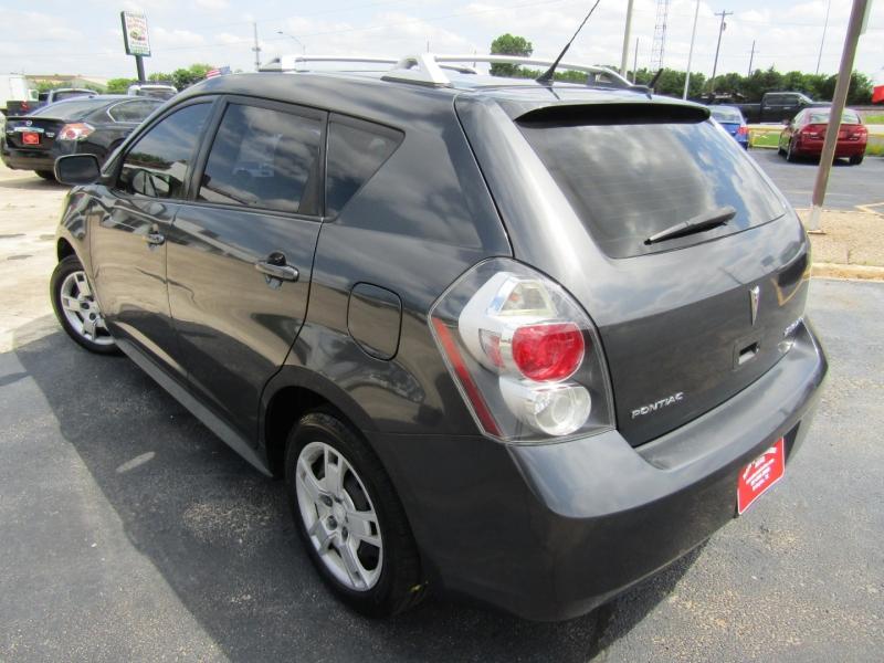 Pontiac Vibe 2009 price $7,400
