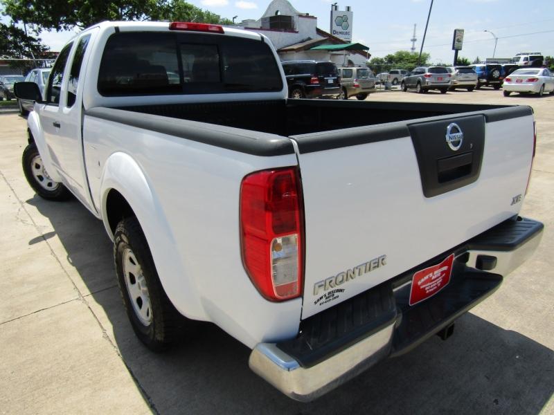Nissan Frontier 2006 price $8,944