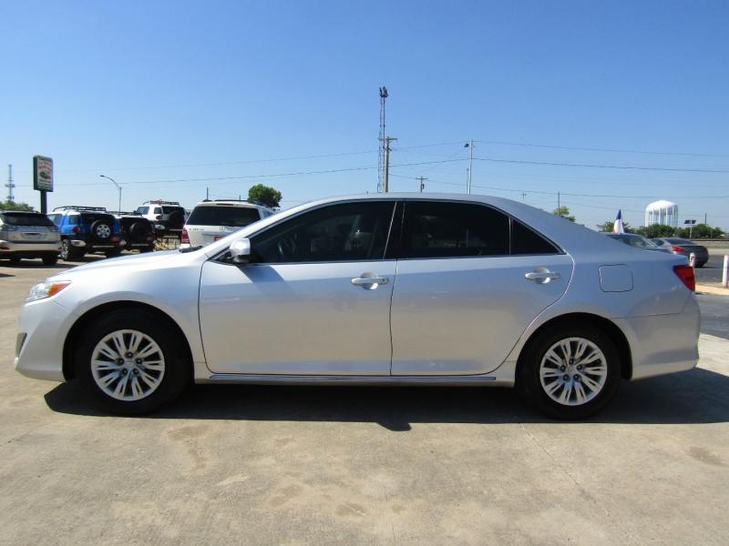 Toyota Camry 2013 price $10,944