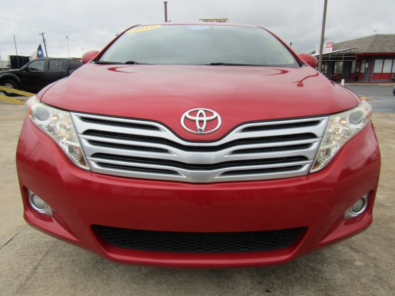Toyota Venza 2010 price $10,944
