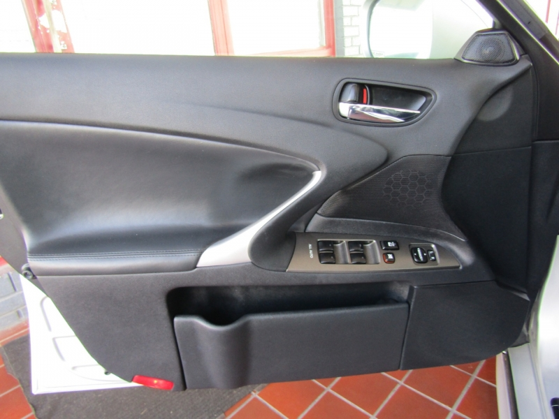 Lexus IS 250 2008 price $10,944