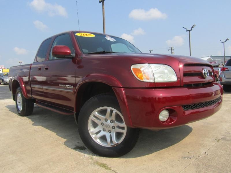 Toyota Tundra 2005 price $12,944