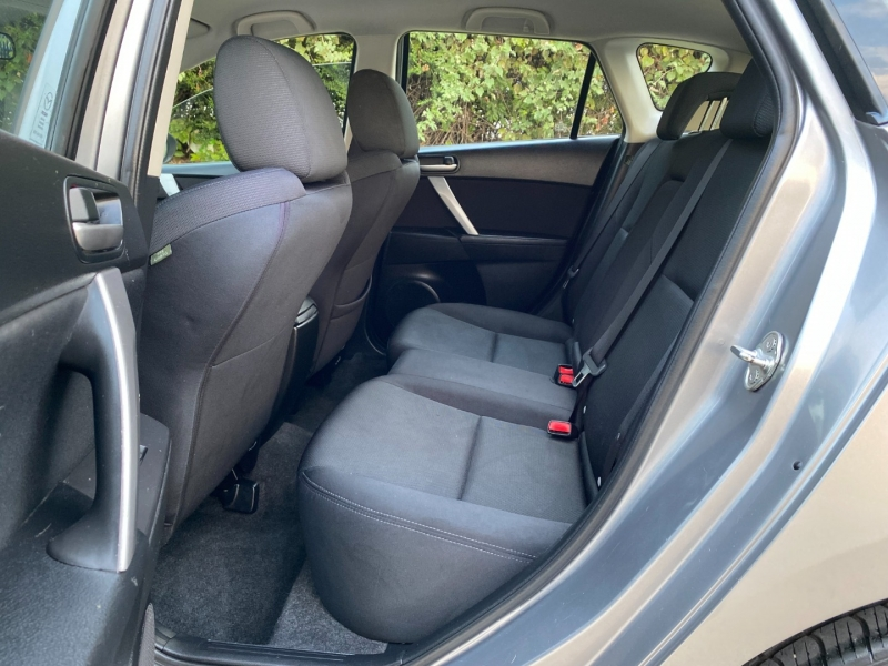 Mazda Mazda3 2010 price $8,944