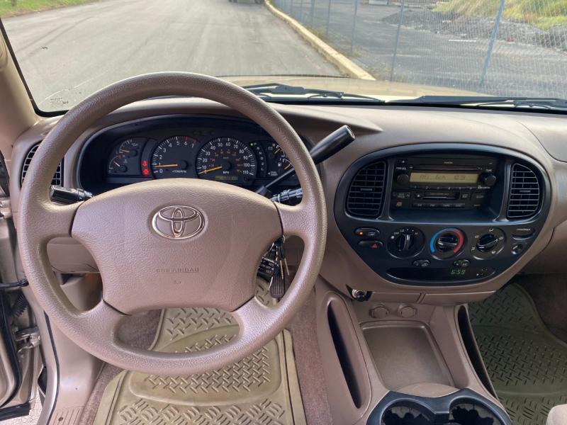Toyota Tundra 2003 price $10,944