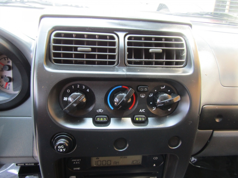 Nissan Frontier 2WD 2004 price $10,850