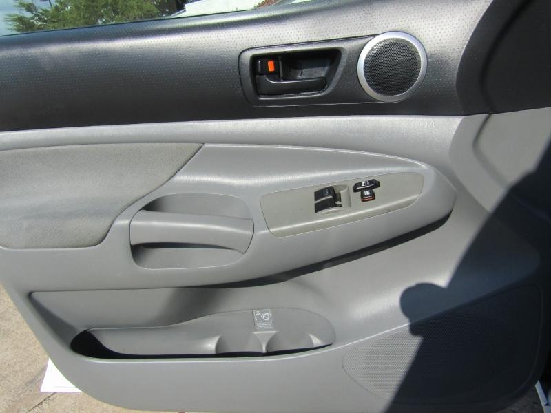 Toyota Tacoma 2008 price $12,950