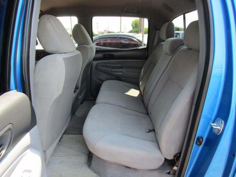 Toyota Tacoma 2011 price $18,950