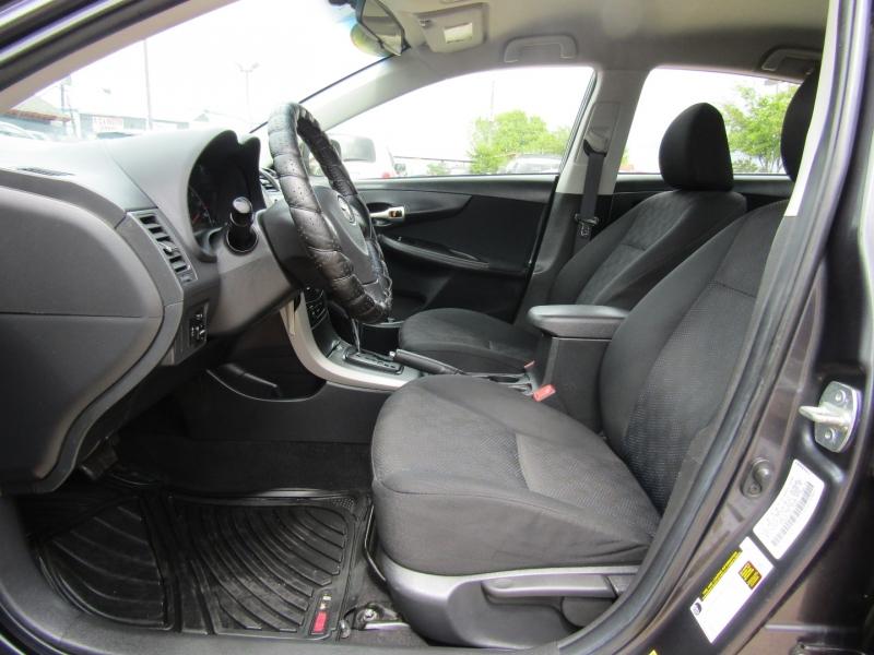 Toyota Corolla 2009 price $8,950