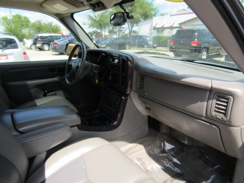 GMC Yukon Denali 2005 price $10,944