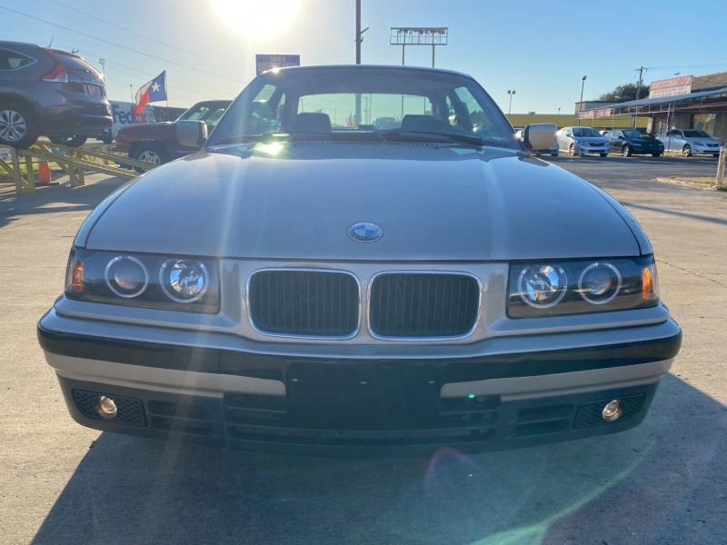 BMW 3-Series 1993 price $7,944