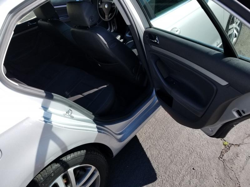 Volkswagen Jetta Sedan A5 2005 price $5,900