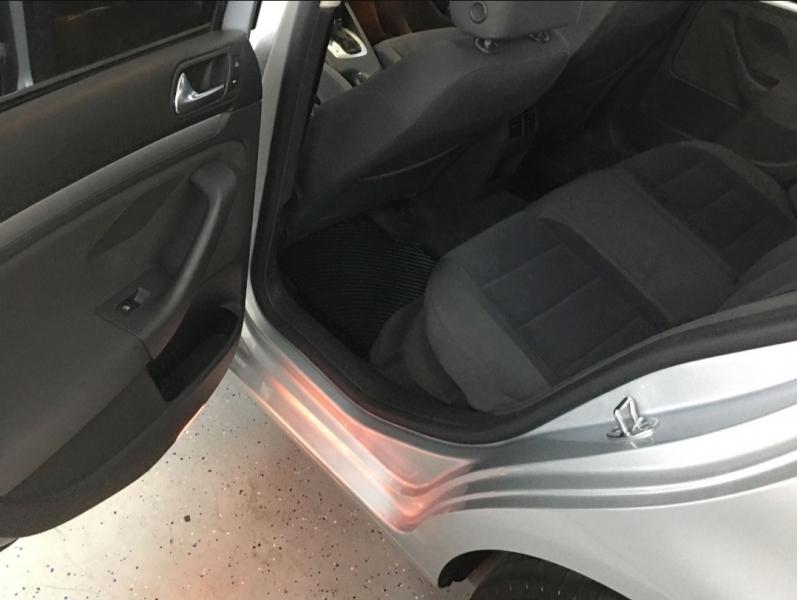 Volkswagen Jetta Sedan 2006 price Call for Pricing