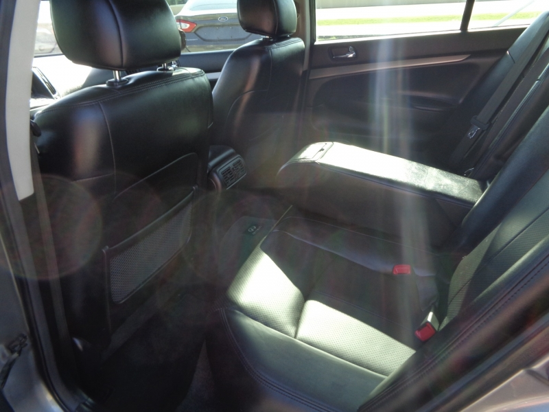 Infiniti G37 Sedan 2011 price $7,995
