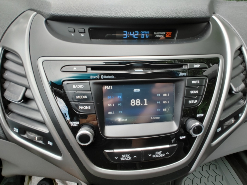 Hyundai Elantra 2016 price $10,500