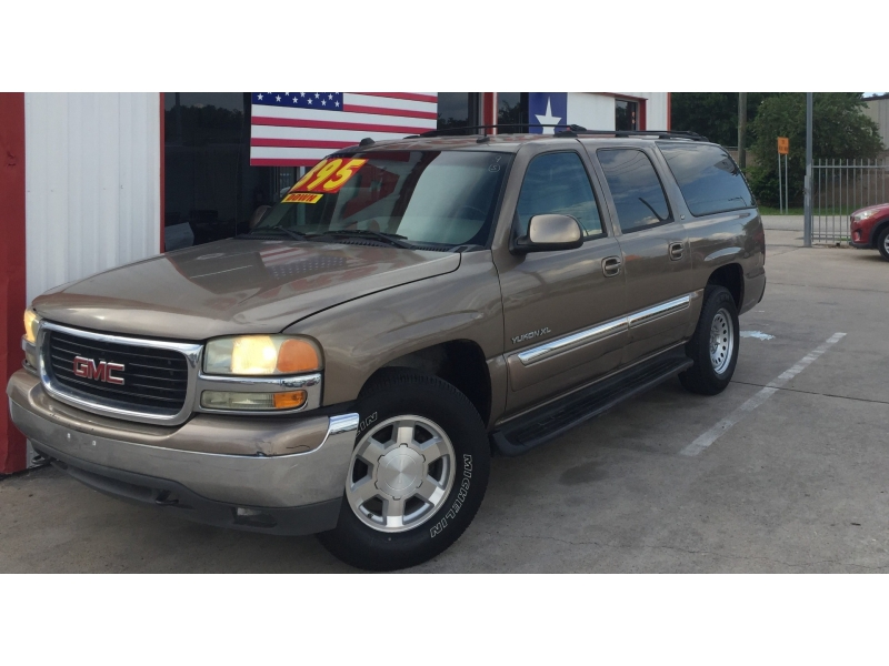 GMC Yukon XL 2004 price $4,995