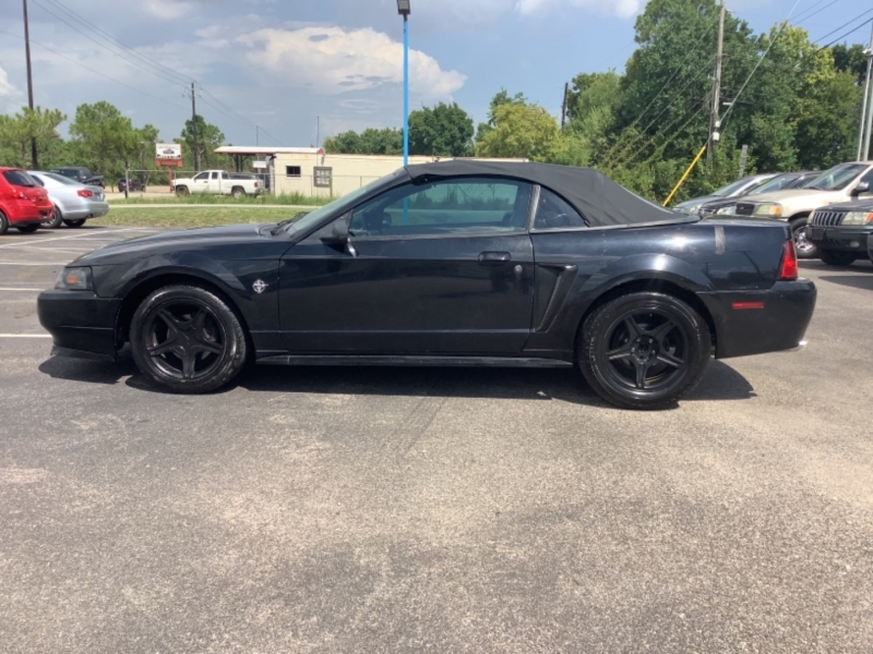 Ford Mustang 1999 price $5,995
