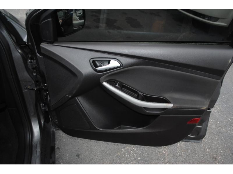 Ford Focus 2013 price $5,995