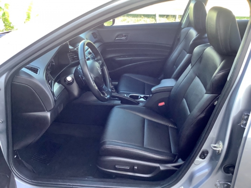 Acura ILX 2018 price $16,995
