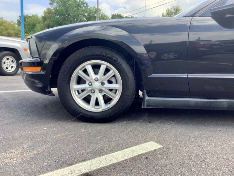Ford Mustang 2008 price $5,995
