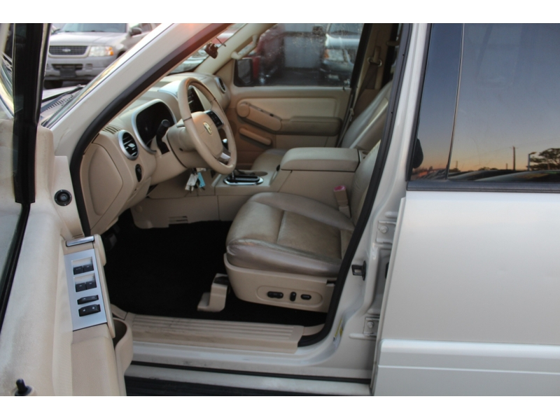 Mercury Mountaineer 2006 price $4,495