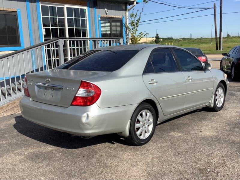 Toyota Camry 2004 price $2,995