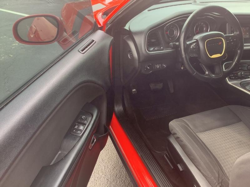 Dodge Challenger 2016 price $13,995