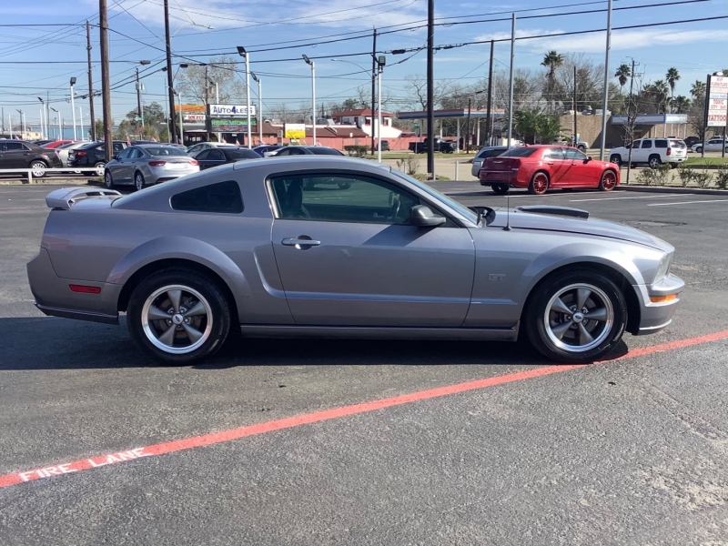 Ford Mustang 2006 price $8,995