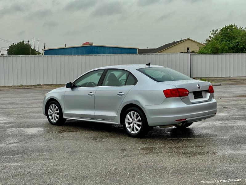 Volkswagen Jetta Sedan 2013 price $6,995