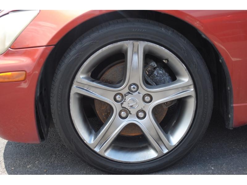Lexus IS 300 2001 price $3,995