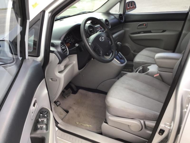 Kia Rondo 2008 price $4,995