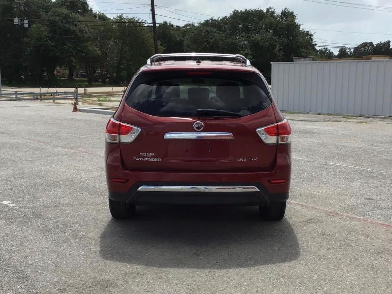 Nissan Pathfinder 2013 price $9,995