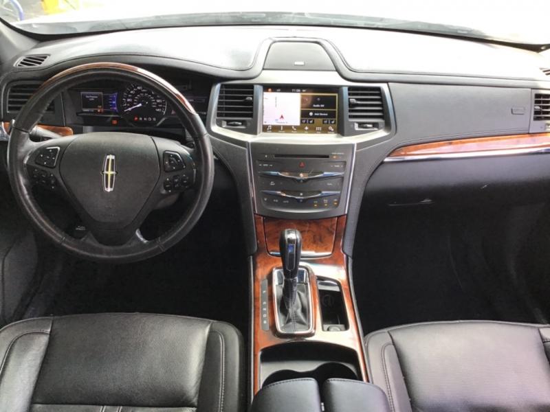 Lincoln MKS 2016 price $16,995