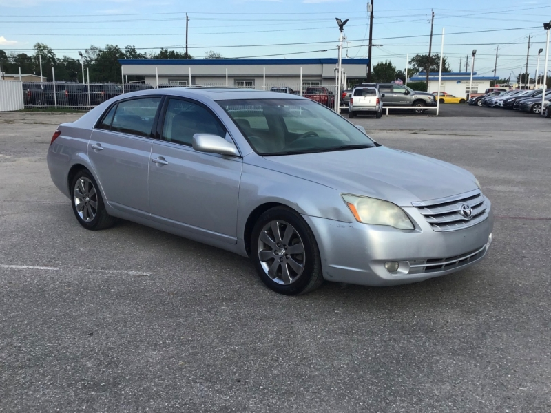 Toyota Avalon 2005 price $4,995