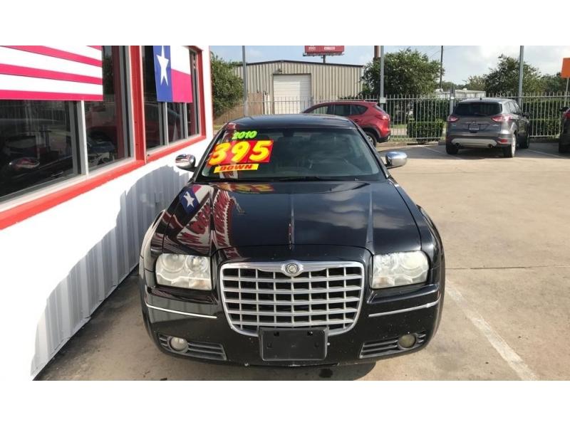 Chrysler 300 2010 price $4,995