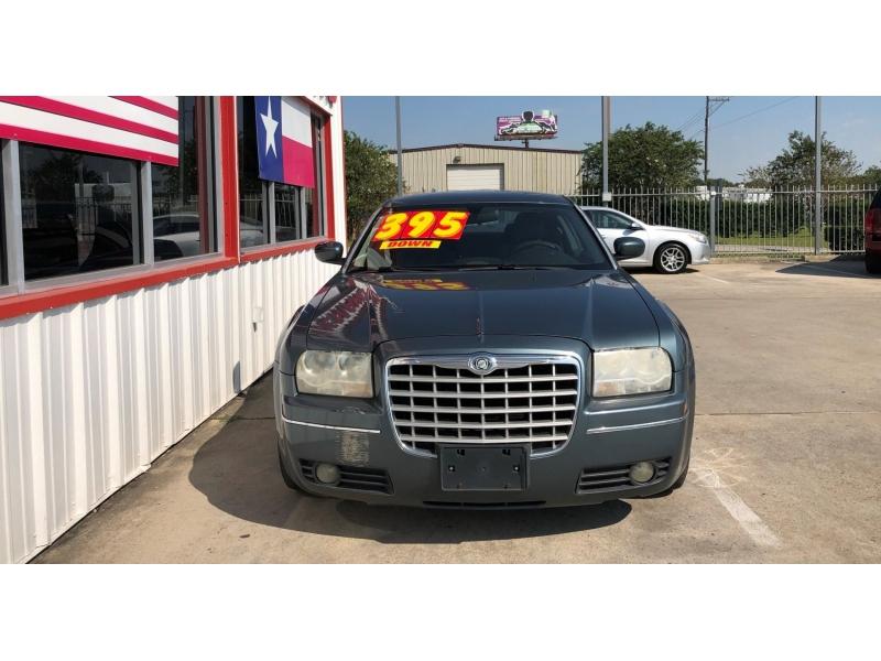 Chrysler 300 2006 price $4,995