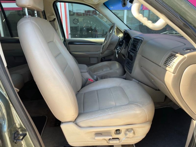 Ford Explorer 2002 price $2,995