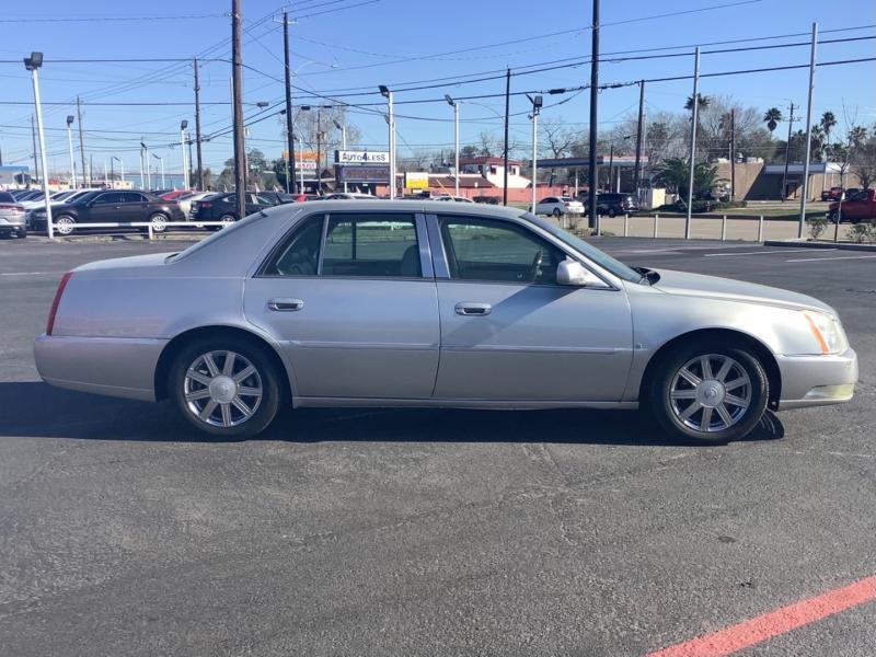 Cadillac DTS 2006 price $6,995