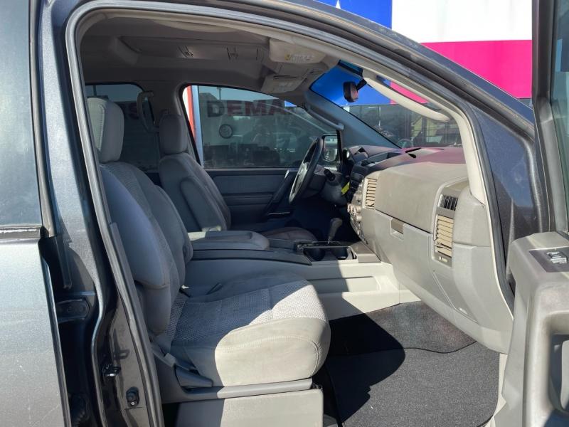 Nissan Pathfinder Armada 2004 price $5,995