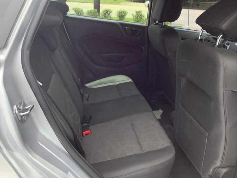 Ford Fiesta 2013 price $7,995