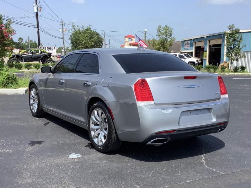 Chrysler 300 2018 price $21,995