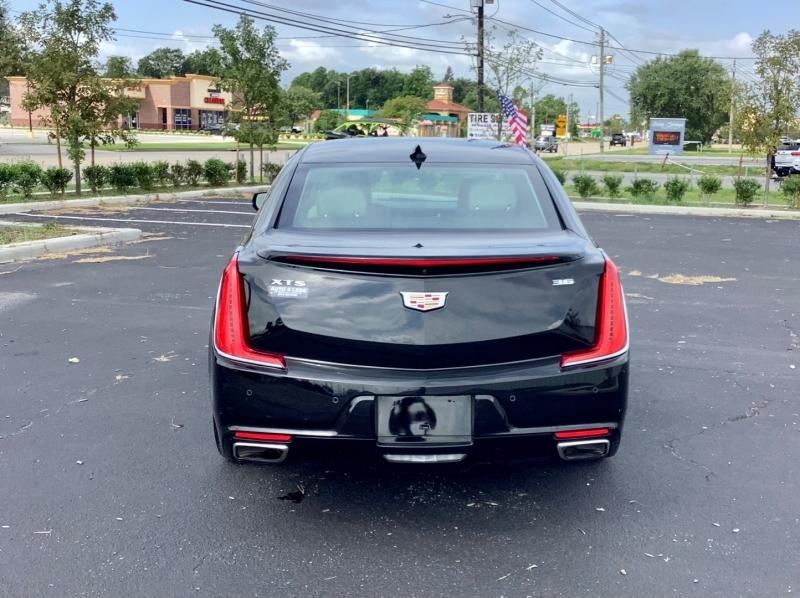 Cadillac XTS 2018 price $25,995