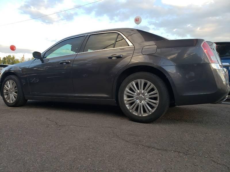 Chrysler 300 2013 price $8,900