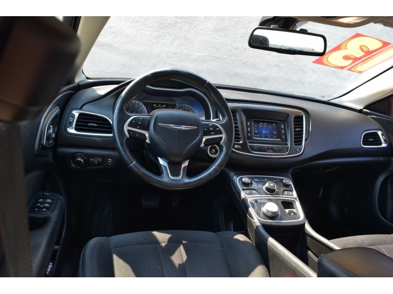 Chrysler 200 2015 price $7,990