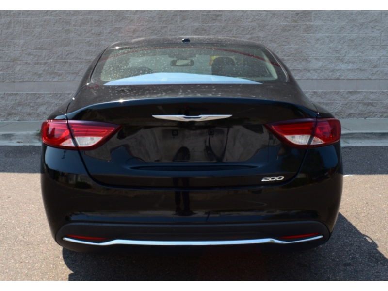 Chrysler 200 2015 price $8,500